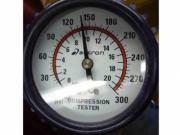 Уред измерване на компресия на бензинов двигател